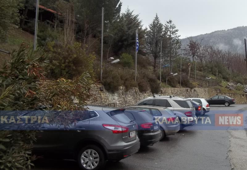 ΚΑΣΤΡΙΑ: Πλήθος επισκεπτών το τριήμερο στο μοναδικό Σπήλαιο των Λιμνών
