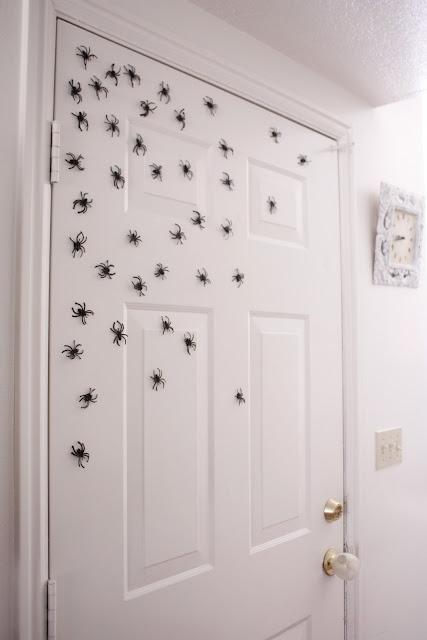 Halloween Magnetic Spiders - Delia Creates