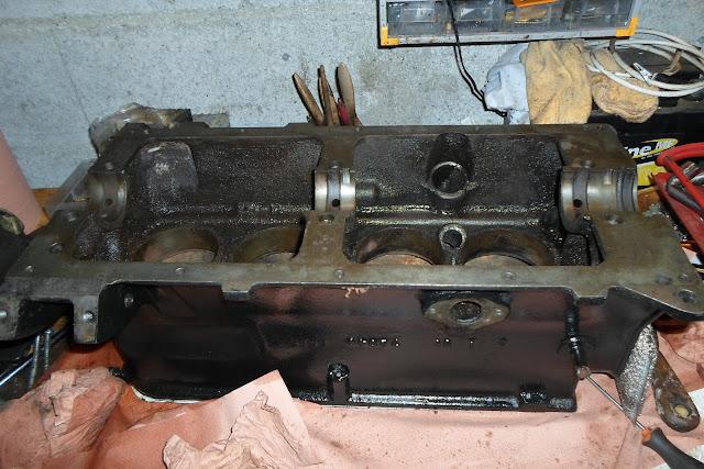 Peugeot 203 bloc moteur peint