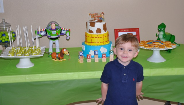 Dylans Birthday Party Of Choice Was None Other Than Toy Story Hes Especially Partial To Buzz And Woody This Year Decorations Were Easy Because We Used