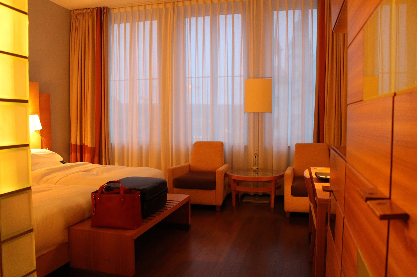 Hilton Cologned Bedroom Twin