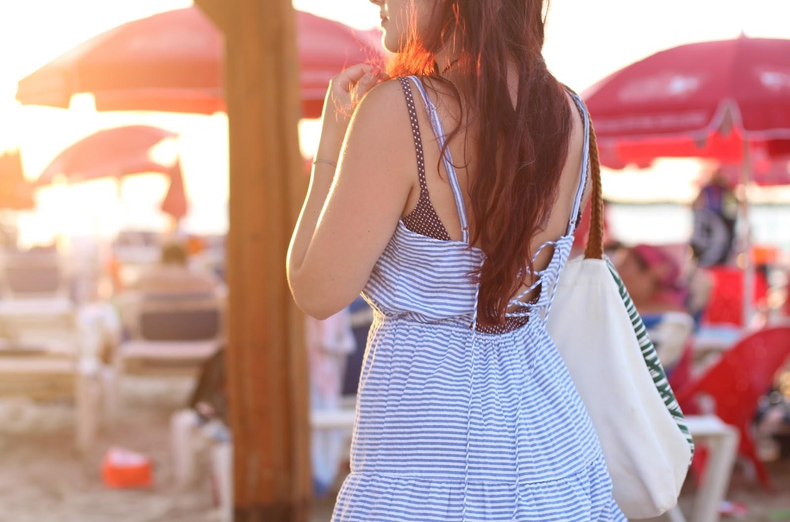 robe rayée à volants