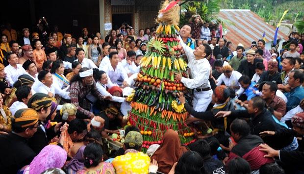 Image result for Tradisi Lokal Jawa Sambut Kelahiran Bayi Sarat Makna Simbolik