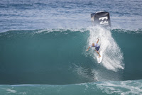 61 Kelly Slater Billabong Pipe Masters foto WSL Damien Poullenot