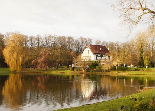 Chaipattanab , étangs Mellaerts, , boulevard du Souverain, ,Woluwe-Saint-Pierre , Région , Bruxelles-Capitale.