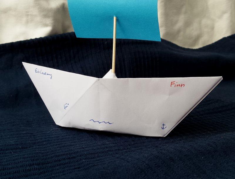 DIY: Papierschiff Einladungen Für Den Kindergeburtstag Basteln. Die  Schiffchen Aus Papier Machen Den