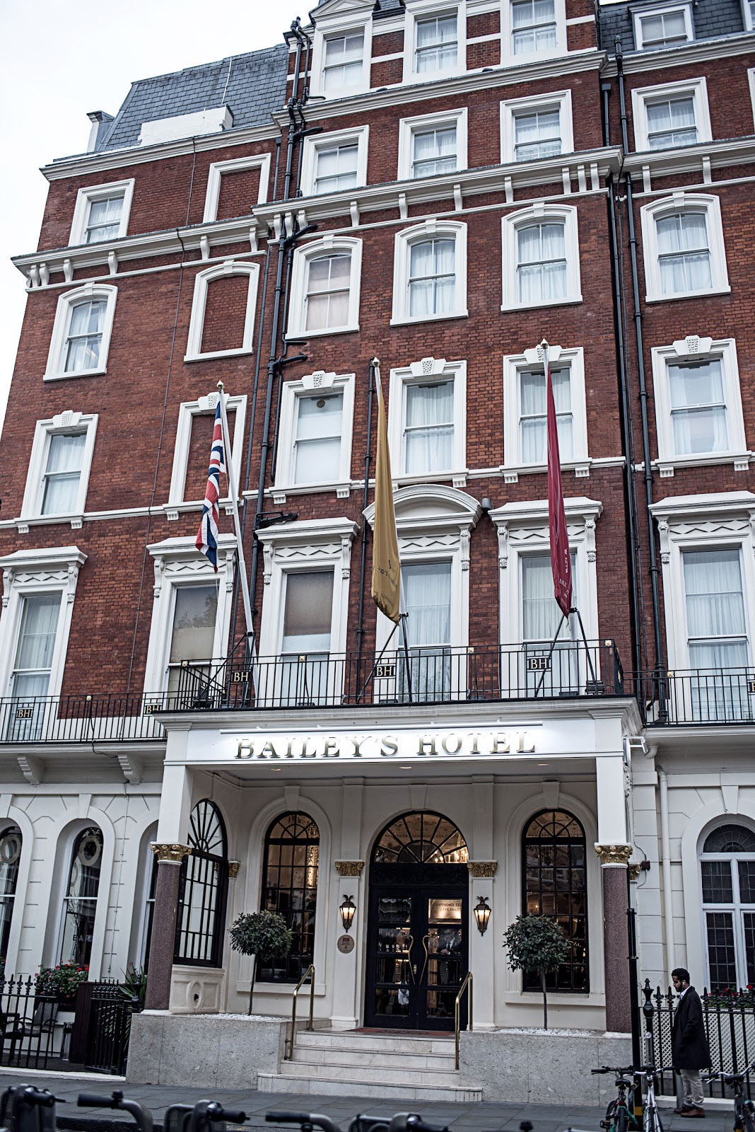 von vogue the baileys hotel london