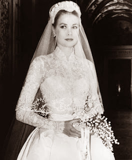 Princess Grace in Helen Rose dress. A guide to 1960s vintage wedding dresses, c HVB vintage wedding blog 2013