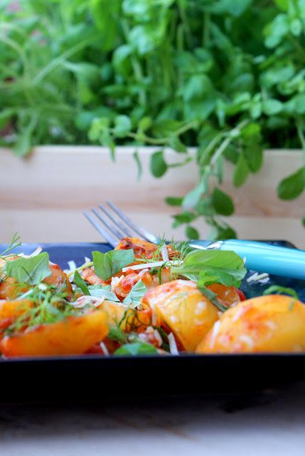 baziółka,pizza,schab w pomidorach, ziemniaki ze schabem,polskie zioła,bazylia,koperek,majeranek,parmezan,włoskie dania,wloska kuchnia,kuchnia polska,