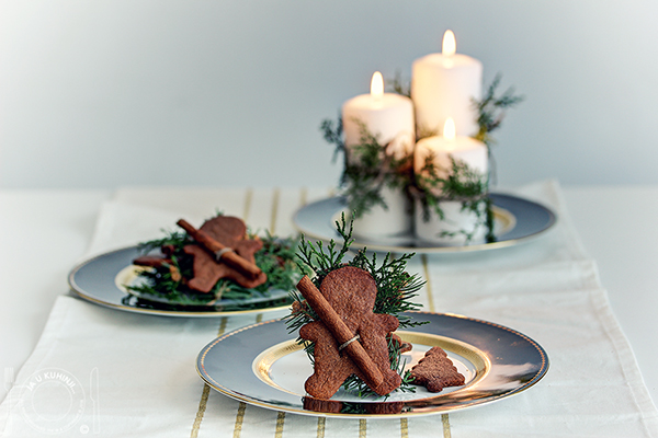 Gingerbread cookies and Christmas table decorations