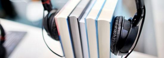 Audiolibro: Libro con cascos