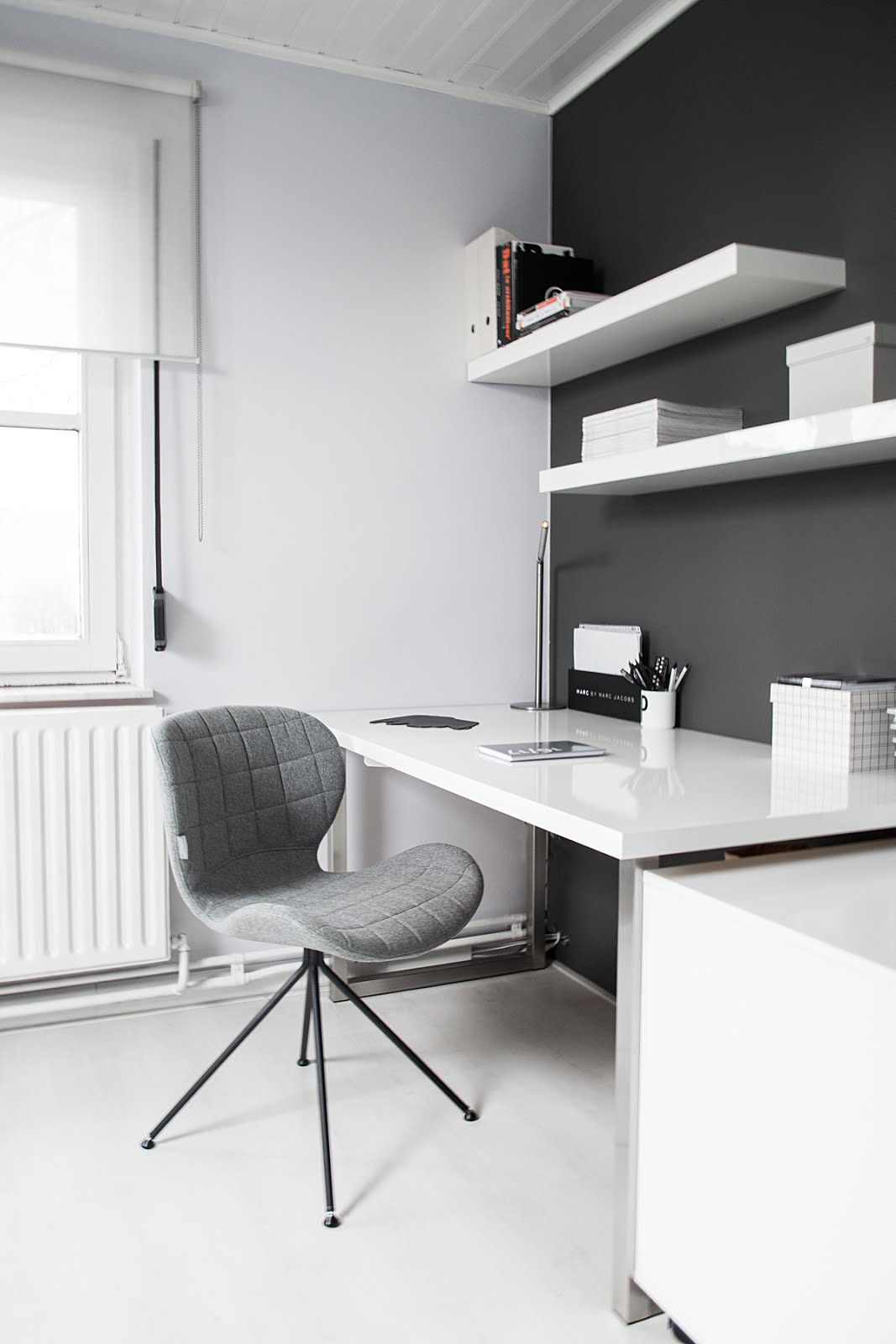 Zuiver, omg chair, minster design, minimal interior, black white, interior design, vitra, elephant mouse pad, ikea lack
