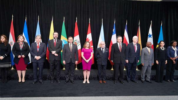 """Grupo de Lima pide """"evitar que Maduro realice transacciones financieras y comerciales en el extranjero"""""""