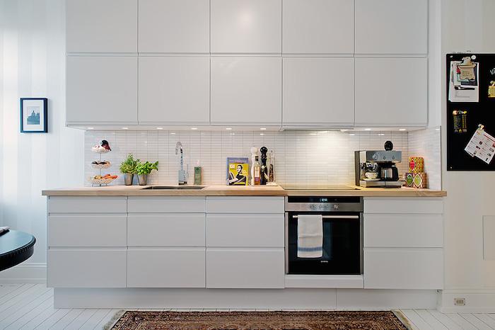 cocina nórdica con gran almacenaje
