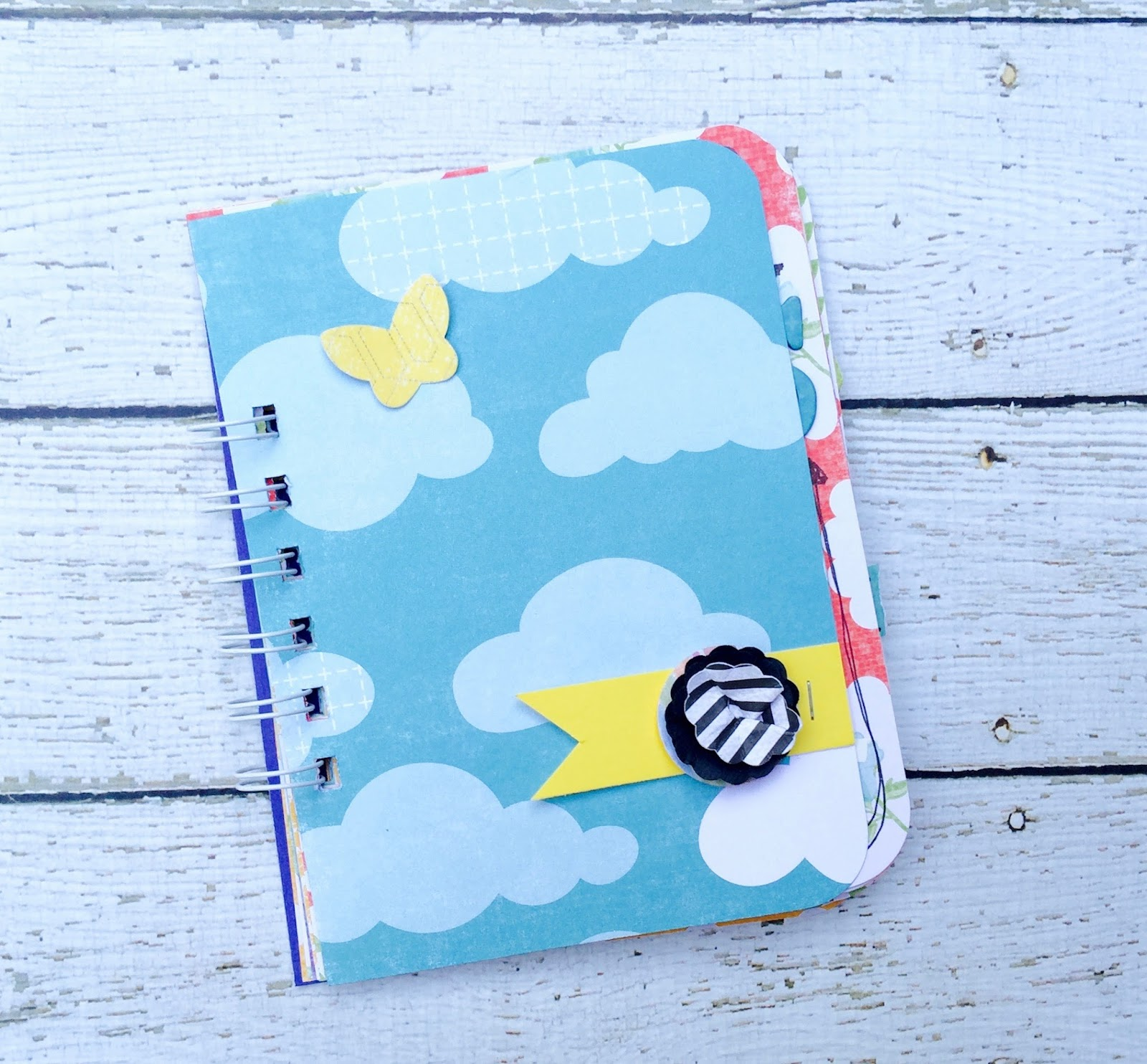 #smashbook #smashbooking #paper #flower #clouds #mini book #minialbum
