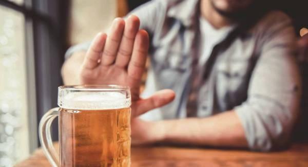Alkoholicy spotykają się ze sobą