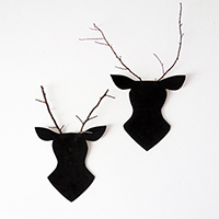http://www.ohohdeco.com/2013/12/twigs-reindeer.html