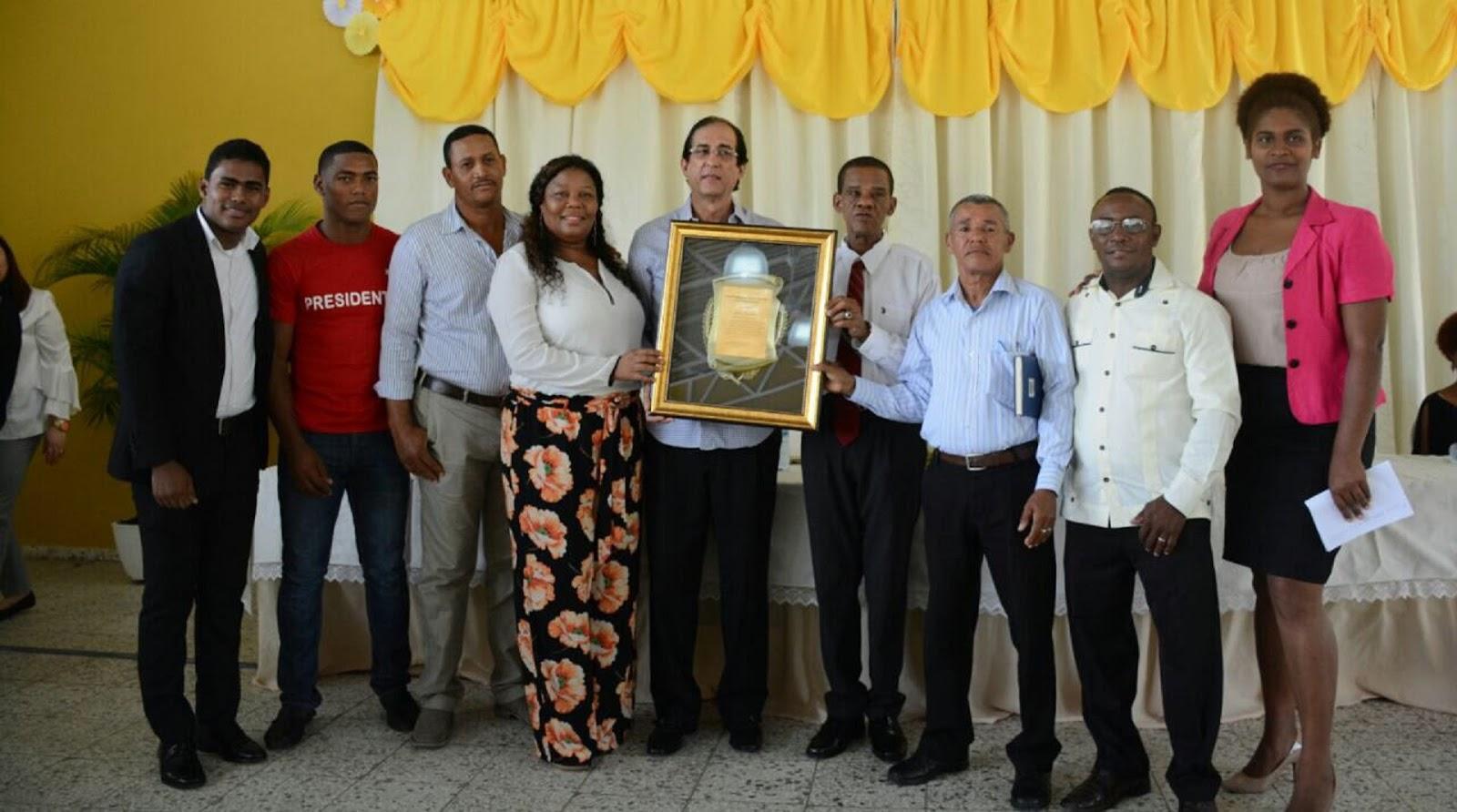 Comunitarios SDN reconocen aportes ministro Montalvo