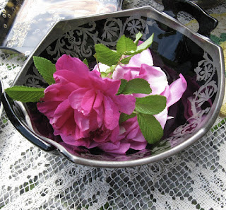 http://thelma-day.blogspot.com.au/2016/07/tea-cups-and-roses.html