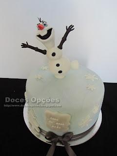 Bolo de aniversário com o Olaf