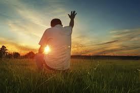 La importancia de alabar a Dios en medio de los problemas