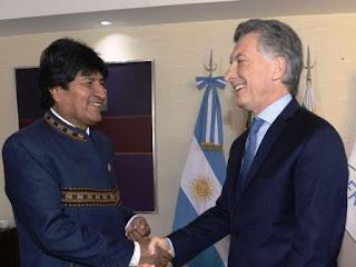 En el marco de la reunión de jefes y jefas de estados del Mercosur, el mandatario argentino se encontró con sus pares de Uruguay y Bolivia.
