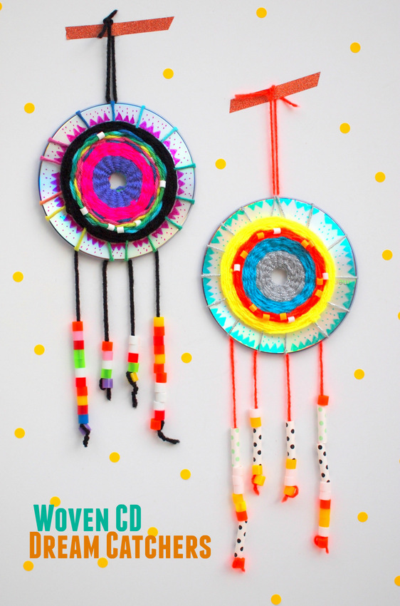 Make a woven cd dream catcher pink stripey socks for Art and craft for kids from waste material