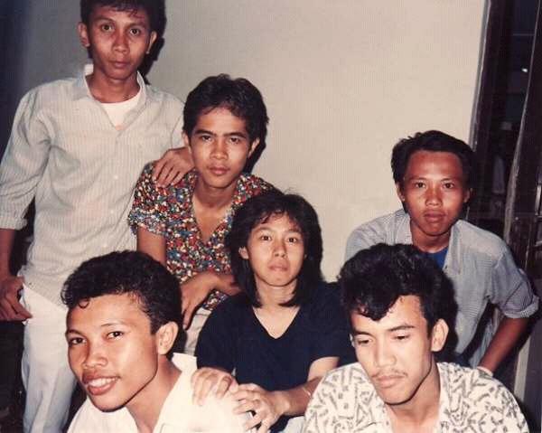 TEMAN SMP : Kalau ini teman SMA 2 Bekasi angkatan 89 yang alhamdulillah banyak yang tetap menjalin silaturahmi melalui group Whatssap. Foto dari orang
