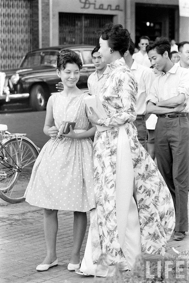 vietnamese women in the past and When jennifer ng, who immigrated from hong kong as a child, was growing up in manhattan, she said she believed she would never meet the expectations of her parents or society her parents expected her to study hard, choose a safe, lucrative career, stay near chinatown, marry and take.