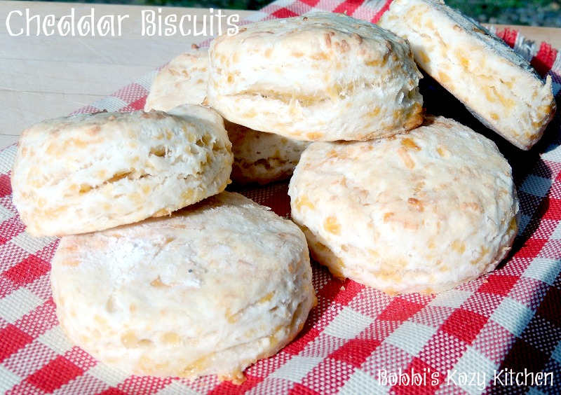 Cheddar Biscuits with Peppered Ham Gravy - This quintessential country breakfast is easy to make and updated with creamy peppered ham gravy and cheddar studded biscuits. It doesn't get much better than this! #breakfast #brunch #comfortfood #breakfast #ham #gravy From www.bobbiskozykitchen.com