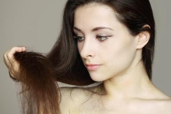 7 Cara Mengatasi Rambut Bercabang yang Sederhana dan Alami