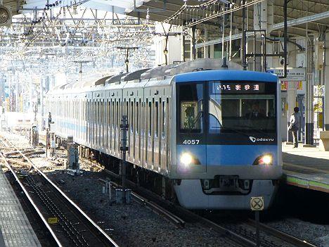 東京メトロ千代田線 表参道行き 小田急4000形