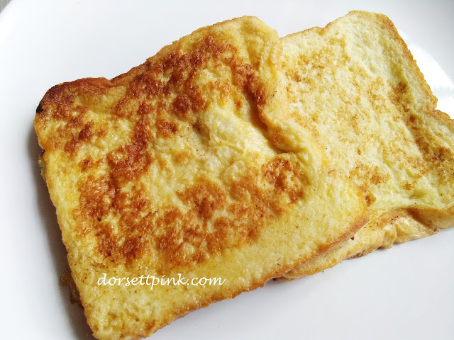 http://www.dorsettpink.com/2018/10/breakfast-menu-french-toast.html