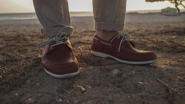 rockport dock shoes