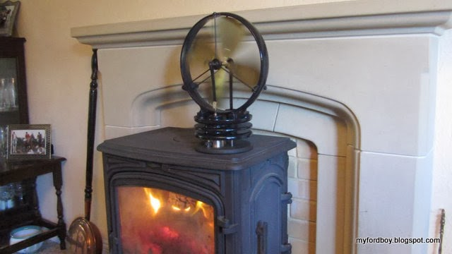 The Stove Fan Is A Stirling Cycle Engine Driving To Hot Air From Into Room It S Like Having Heater Instead Of Convection