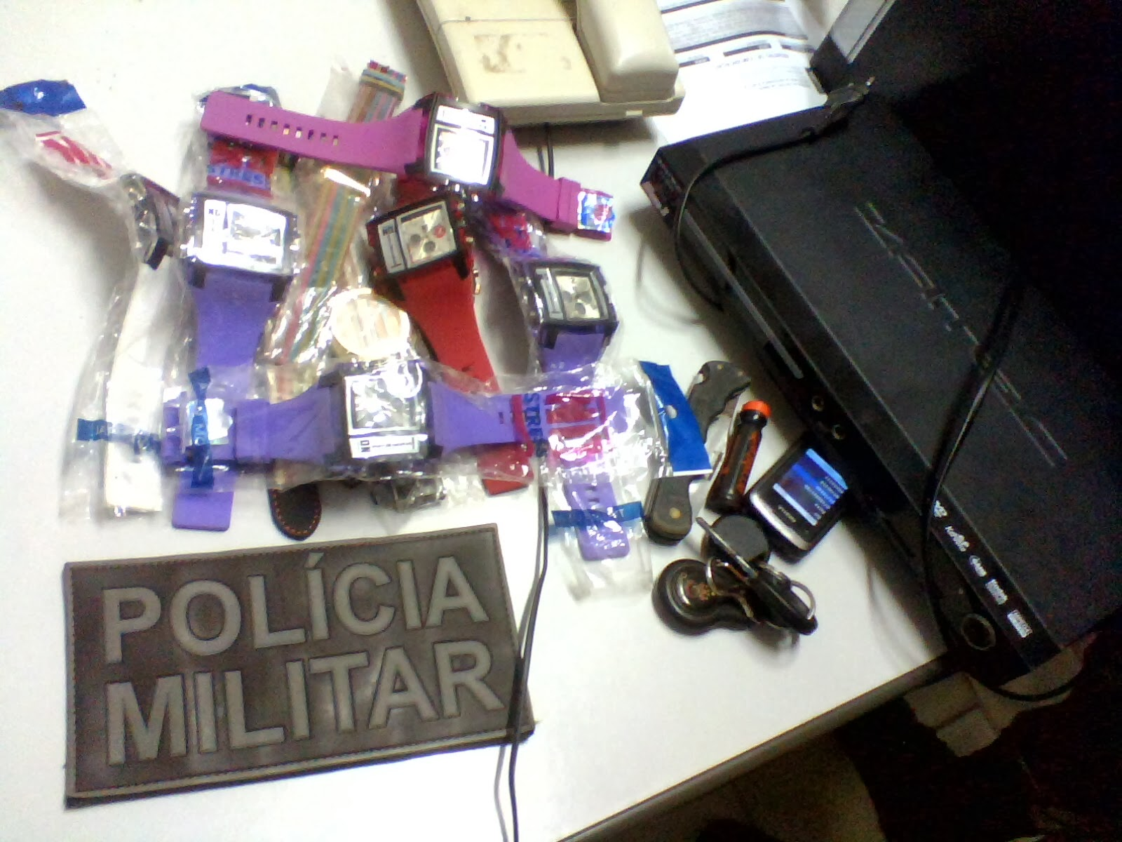 822b7a6867d00 Foi recuperado pelos Policiais do 1º Pelotão, na tarde desta quinta-feira  (06), diversos materiais furtados em dois estabelecimentos comerciais  localizados ...