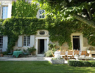 Roses and rust r verie for French provence style homes