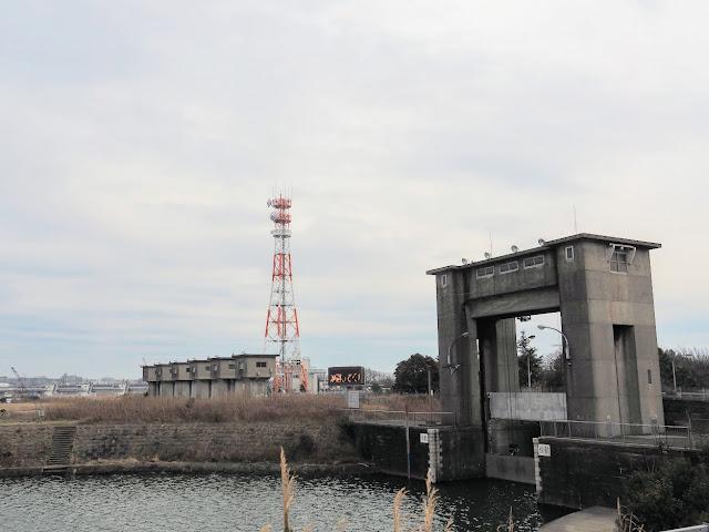 旧江戸川 篠崎水門