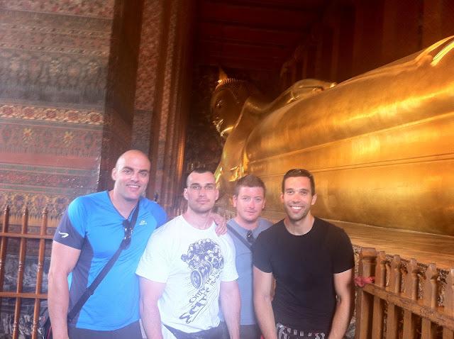 El lateral del Buda