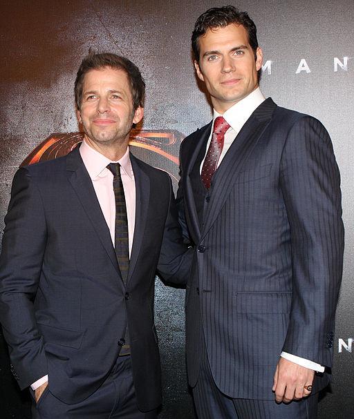 7ed15cd7681 Zack Snyder a Henry Cavill. Snyder točil u Muže z oceli (2013) a Batman v  Superman je vlastně jeho pokračováním. Eva Rinaldi  CC BY-SA 2.0 ...