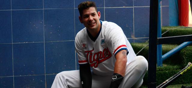 Dariel Álvarez, quien no juega desde el 14 de diciembre está en Estados Unidos tramitando su residencia y la tiene difícil para regresar a Liga de Beisbol Profesional de Venezuela