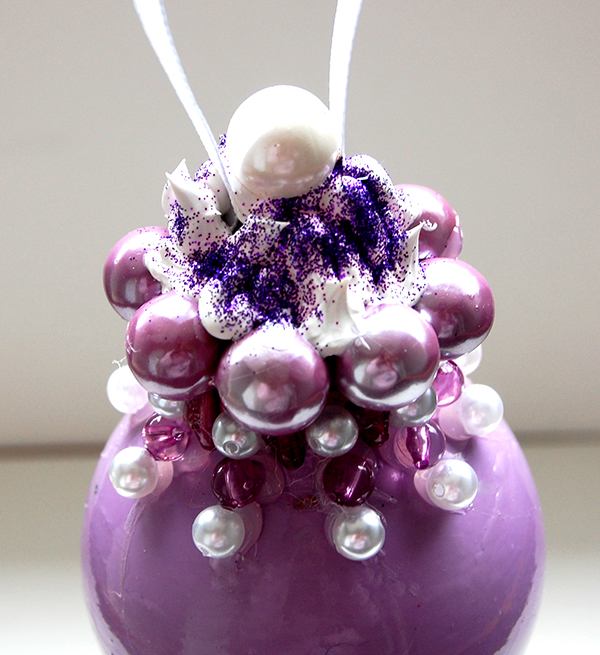 uplclose picture of April 2015 ornament challenge purple passion