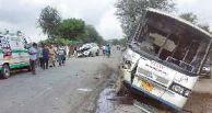 नीमकाथाना में रोडवेज बस व कार की टक्कर में चालक-परिचालक घायल, बड़ा हादसा टला