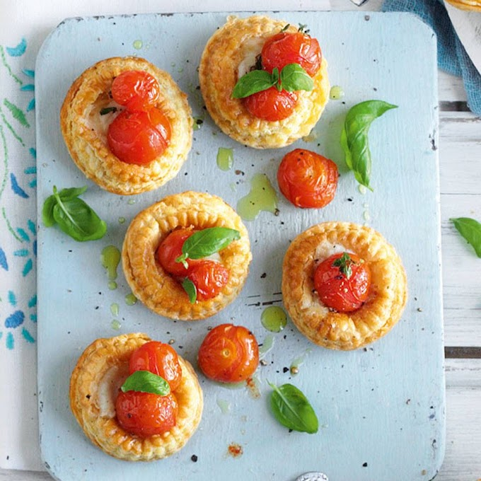 Pequenas torta de tomate cereja