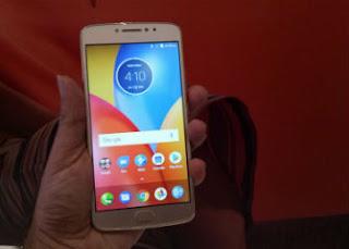 Moto E4 Plus 5000mAH बैटरी के साथ भारत में 9,999 रुपये में हुआ लांच (Moto E4 Plus launched in India)