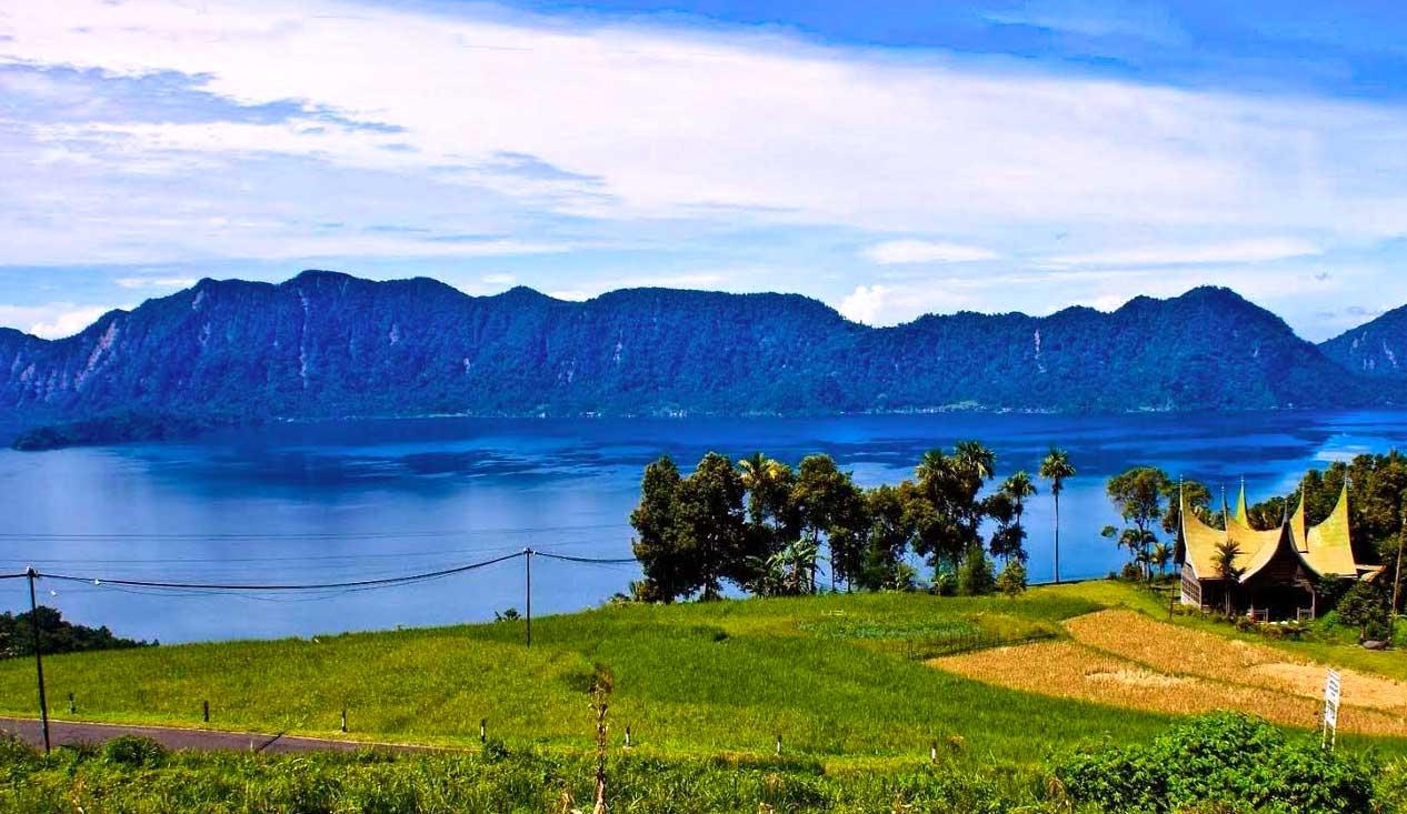 Foto Danau Maninjau, Sumatera Barat