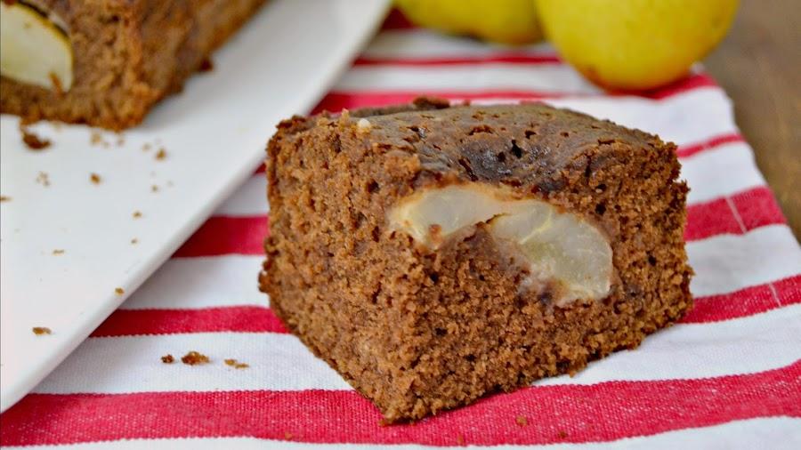 Bizcocho de chocolate con pera receta
