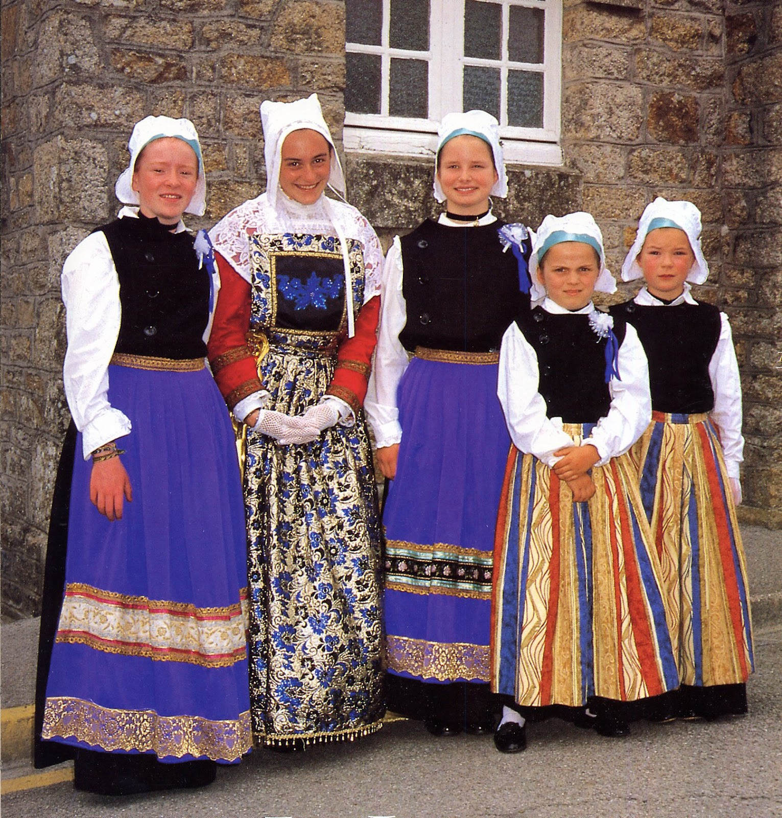 Folkcostume Amp Embroidery Overview Of The Costumes And