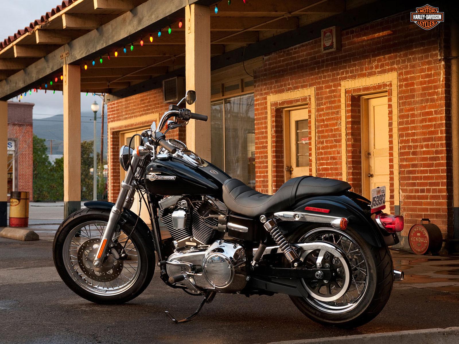 Harley Davidson 2012: Harley-Davidson Pictures. 2012 FXDC Dyna Super Glide Custom