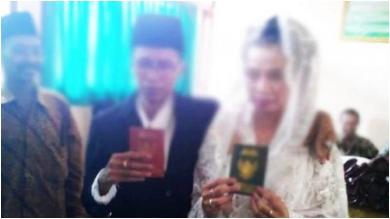 Pernikahan Suwarti dengan Heniyati di Boyolali